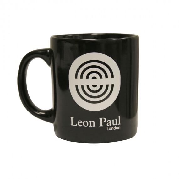 Чашка с логотипом Leon Paul